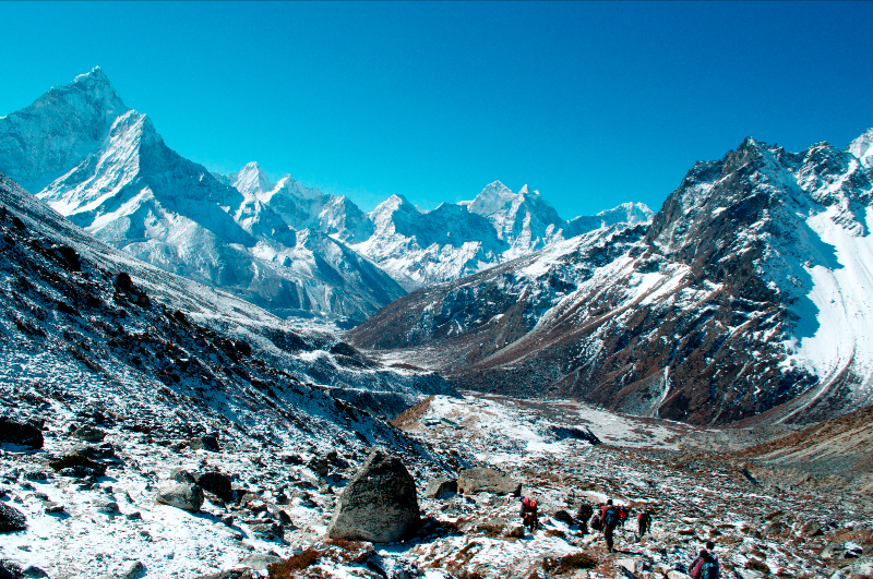 looking-down-the-khumbu-towards-pheriche