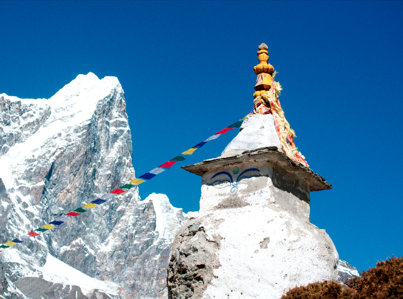 cholatse-and-chorten