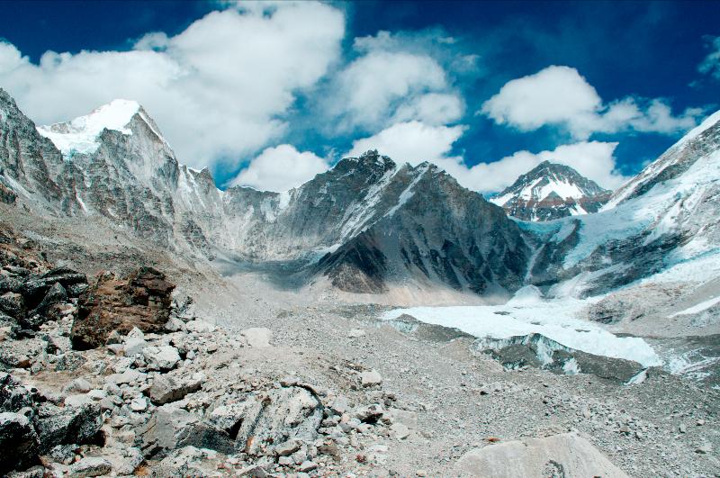 everest-base-camp-and-the-khumbu-glacier