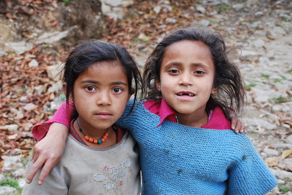 children-of-the-annapurna-foothils_1024x768