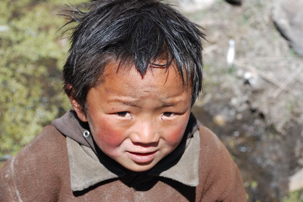 tibetan-village-child_1024x768
