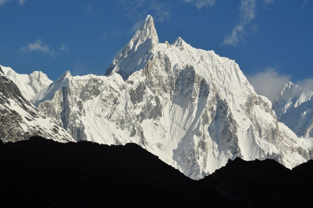 jagged-peaks-of-the-annapurna-himal