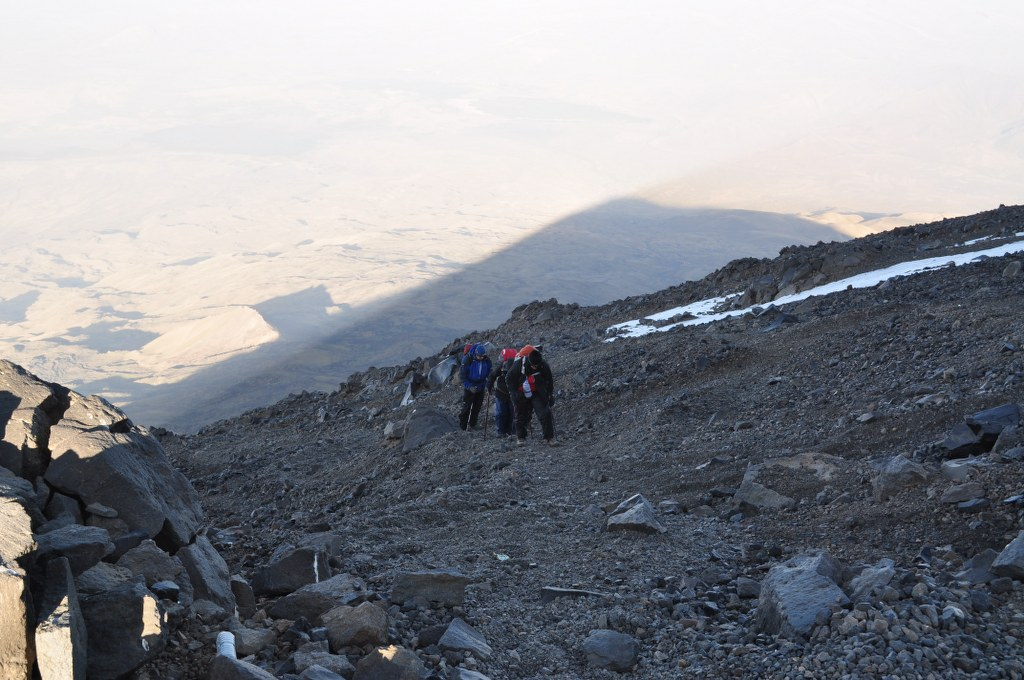 the-push-for-the-summit-with-the-shadow-of-ararat-behind
