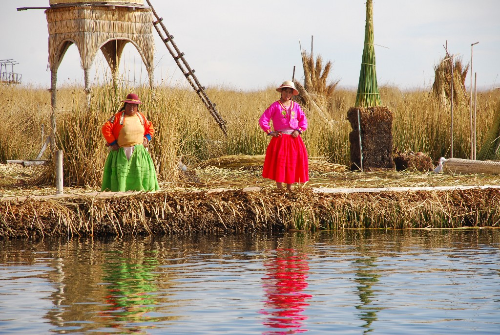 the-floating-islands-of-lake-titicaca_1024x768