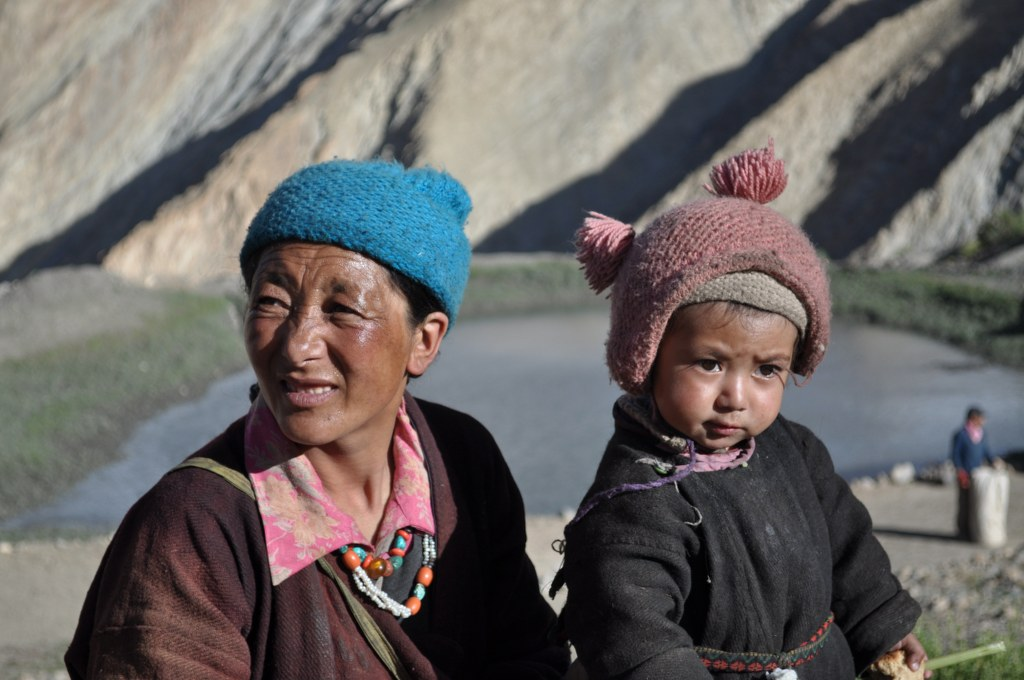 mother-and-child-of-skyumpata-zanskar