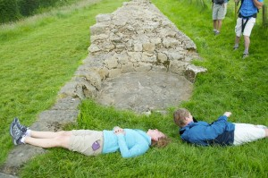 Measuring the width of the wall which we found to be 1 Sandie and half a Gerry!