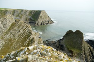 The Knave in the foreground with Horse Cliff beyond