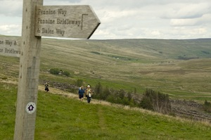 Approaching the junction with the Pennine Way