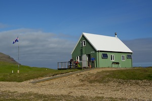 The hut at Breidavik